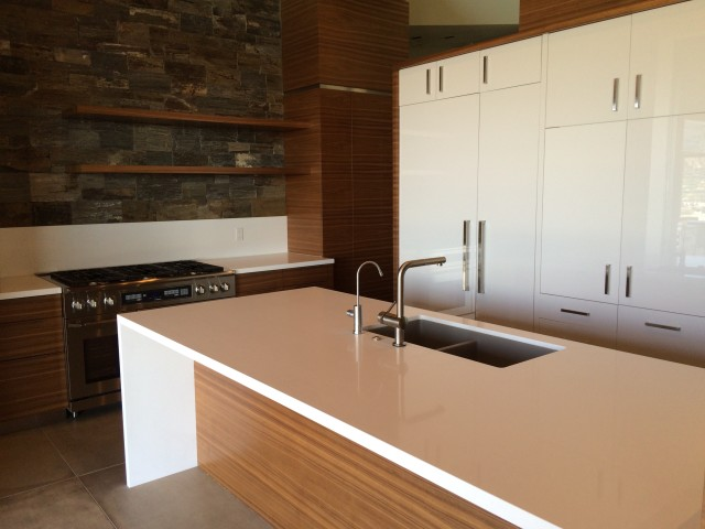 Kitchen Sink, Range