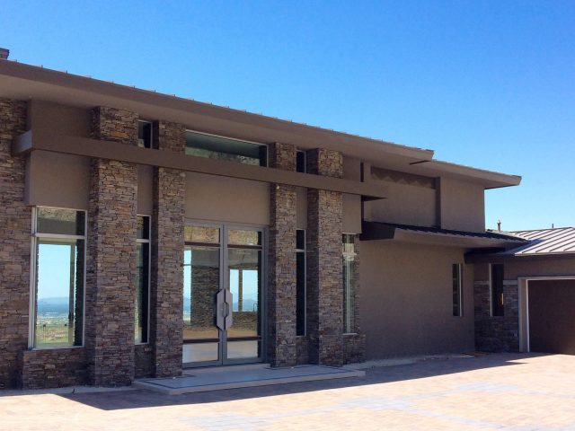 Large, private courtyard leads to the front entryway.